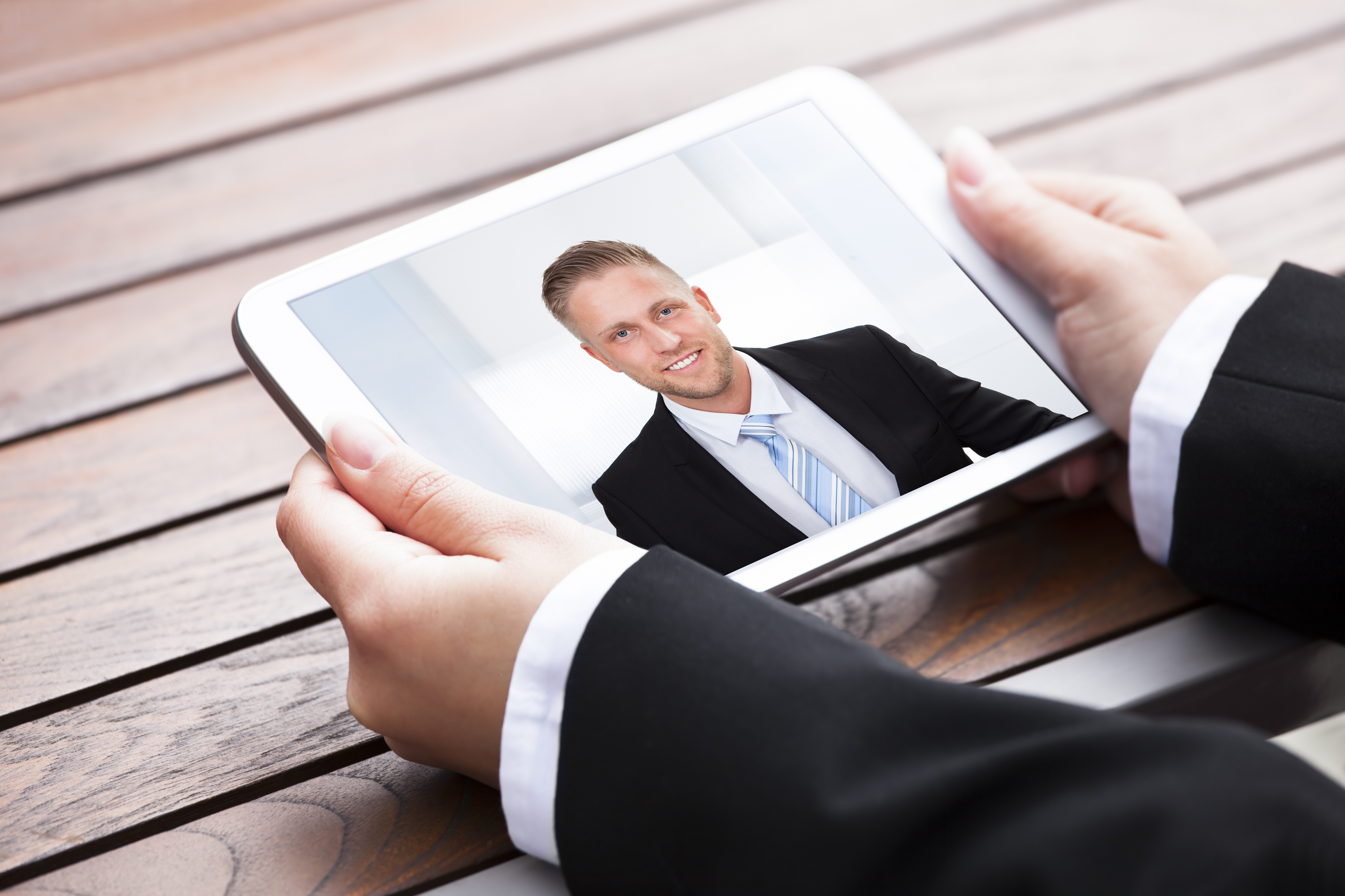 Video Resume create a professional appearance Is A Video Resume Right For You Robert Half