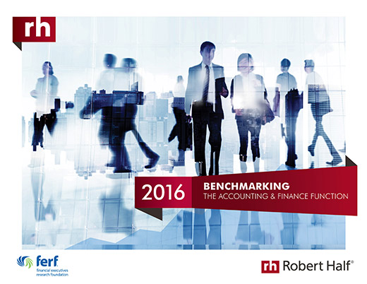 The cover of the 2015 Benchmarking the Accounting and Finance Function report from Robert Half