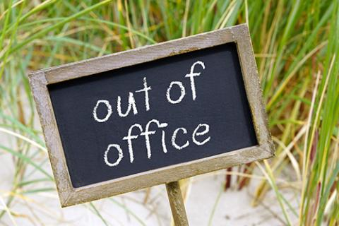 how to craft an effective out of office message blackboard with words