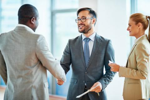 Icebreaker Ideas: How to Introduce Yourself at Business Networking Events